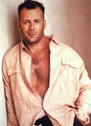 Bruce Willis's Surrogate should have looked like this